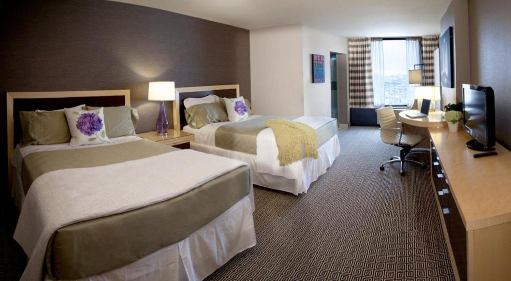 Book Now Plaza Hotel & Casino (Las Vegas, United States). Rooms Available for all budgets. A variety of restaurants are on site for guest convenience at this Las Vegas hotel and casino. Guest rooms offer free Wi-Fi.A flat-screen cable TV is featured in each room at