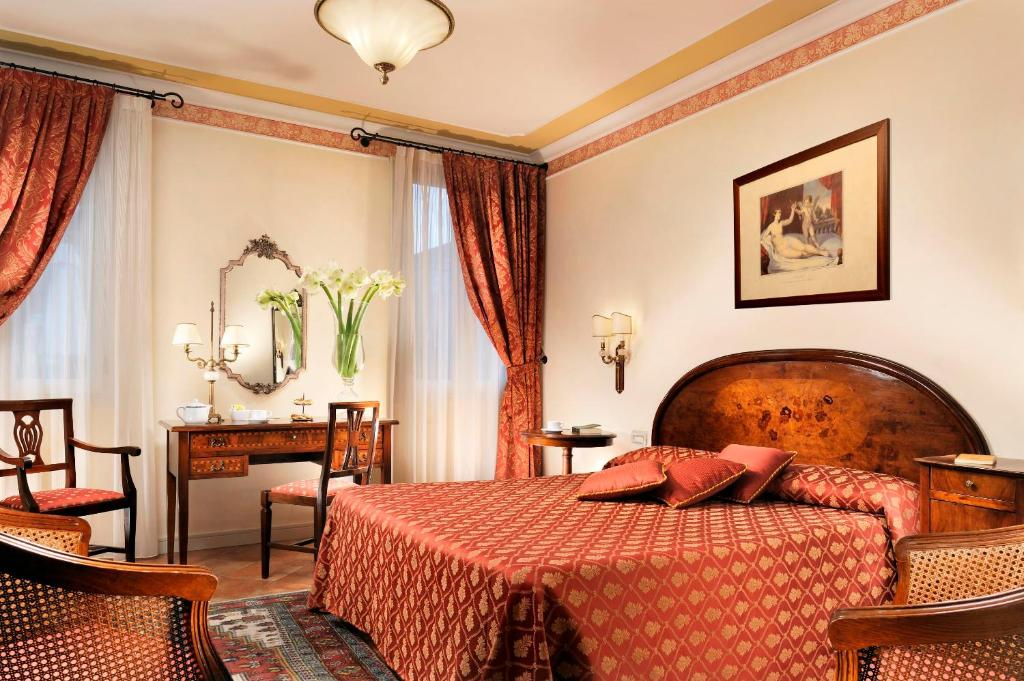 Book Now Relais Villa Fiorita (Fornaci, Italy). Rooms Available for all budgets. Dating back to the 1800s Relais Villa Fiorita is in Monastier di Treviso halfway between Treviso and Venice. Its extensive grounds include a swimming pool and table tennis.Roo