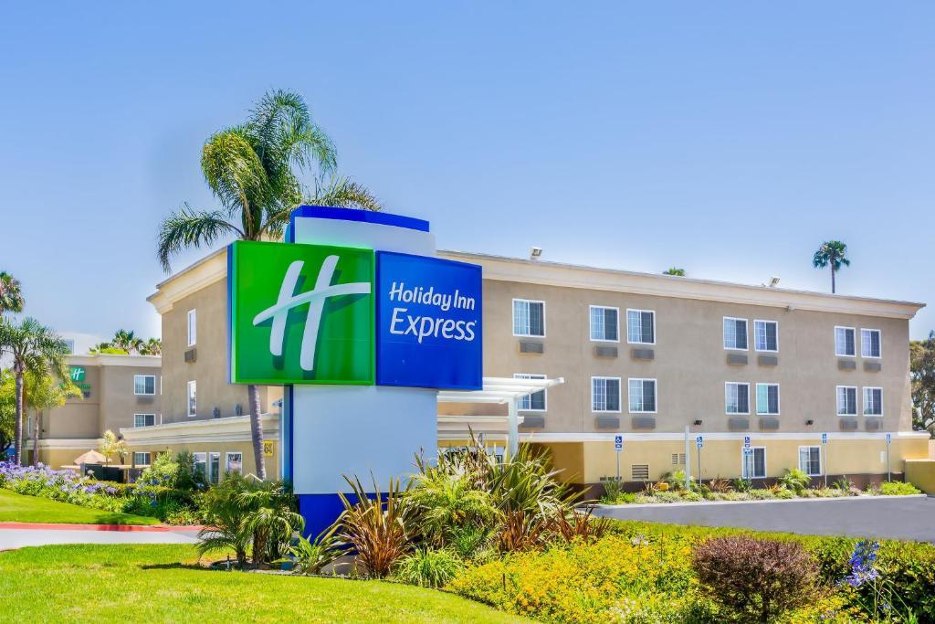 Holiday Inn Express San Diego Seaworld photo