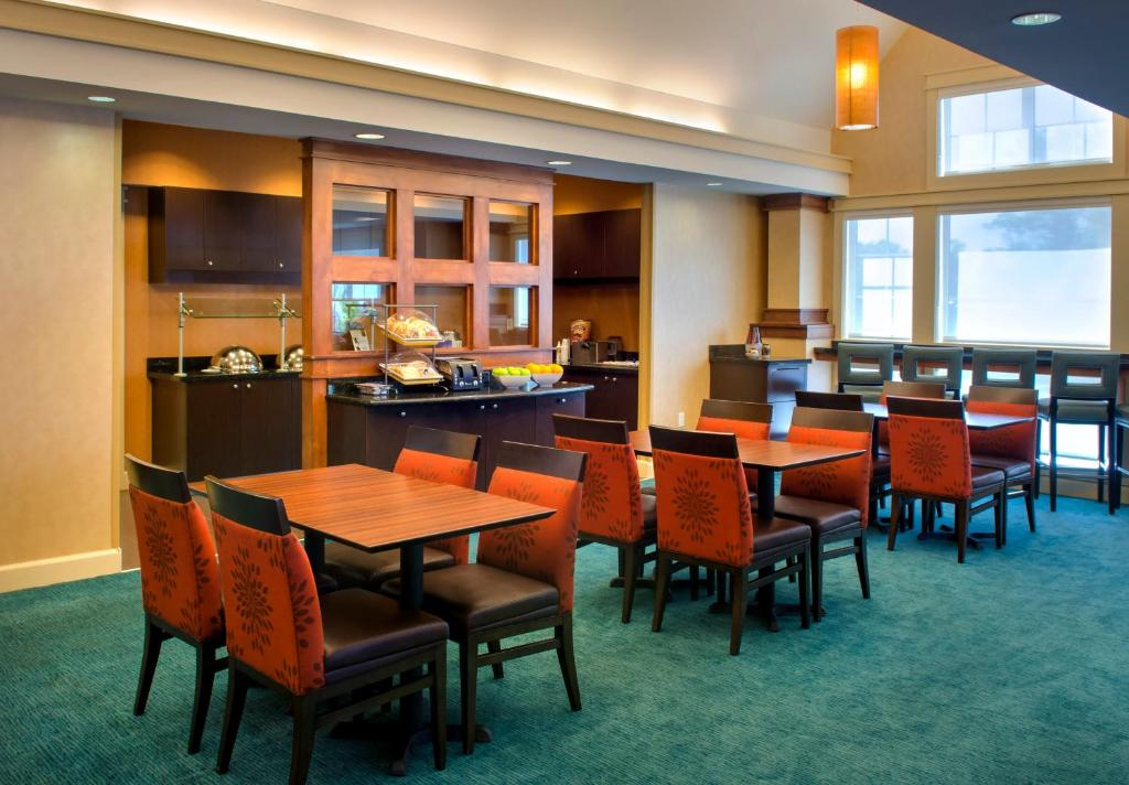 valley east chat rooms Residence inn spokane east valley 15915 e indiana avenue, spokane, washington 99216 usa  who book rooms through a marriott® direct booking channel,.