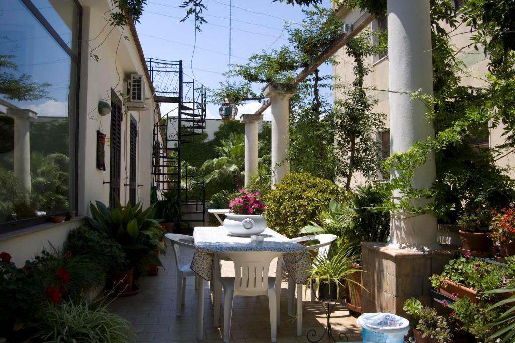 B&b cactus in giardini naxos room deals photos & reviews