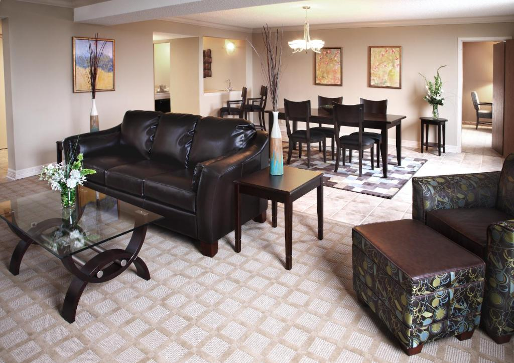 Book Now Wyndham Garden Shreveport (Shreveport, United States). Rooms Available for all budgets. On-site dining free high-speed internet and a seasonal outdoor pool are a few of the perks at the non-smoking Wyndham Garden Shreveport. At the mid-rise Wyndham Garden all 267