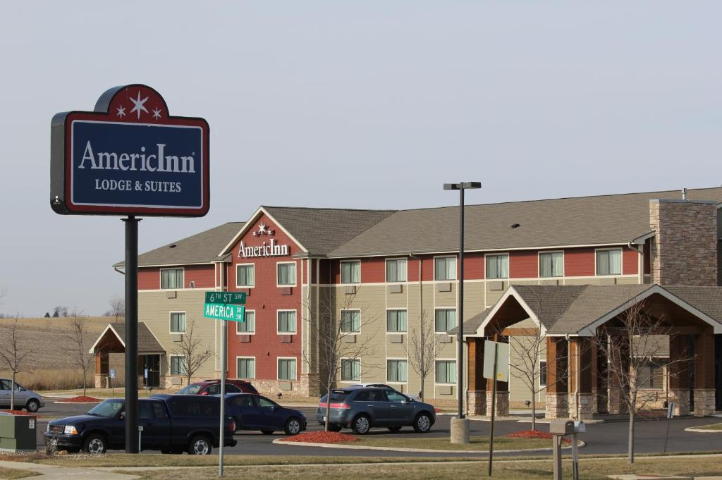 Hotels Near Eastern Iowa Airport Cedar Rapids