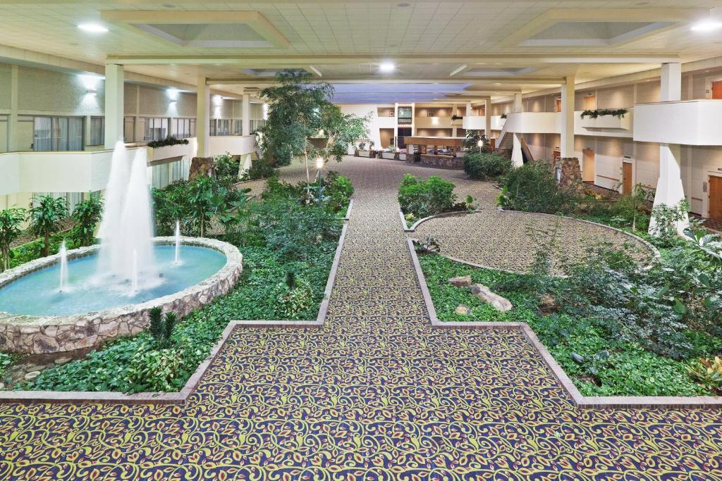 Clarion Hotel & Conference Center photo