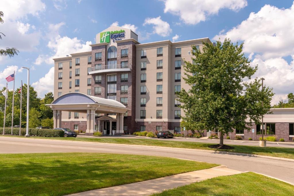 Holiday Inn Express & Suites Columbus - Polaris Parkway / Columbus photo