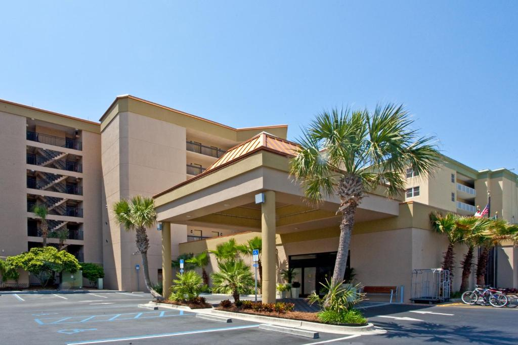 Book Now Wyndham Garden Fort Walton Beach Destin (Fort Walton Beach, United States). Rooms Available for all budgets. Right on the beach with two pools and a seasonal poolside cafe Wyndham Garden Fort Walton Beach Destin is a favorite of our guests. The Wyndham Garden Fort Walton Beach Destin