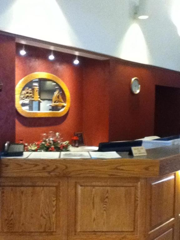 Book Now Baraga Lakeside Inn (Baraga, United States). Rooms Available for all budgets. Adjacent to Lake Superior this hotel features free Wi-Fi and a variety of dining options at the Lakeside Restaurant and Lounge.Cable TV comes standard in each room at Baraga L