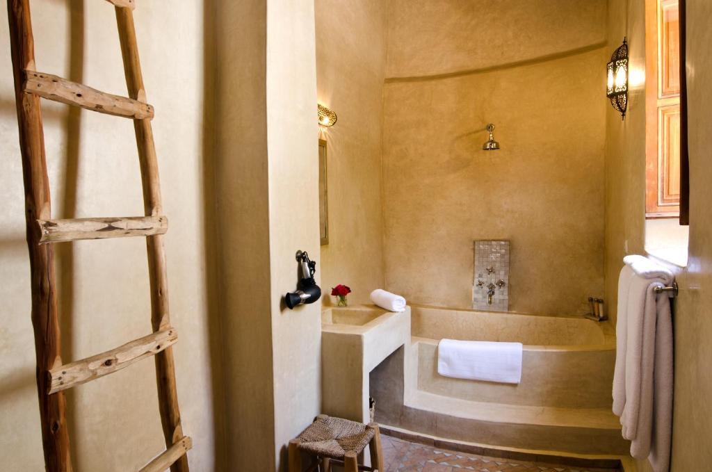 Douria Suite - Bathroom