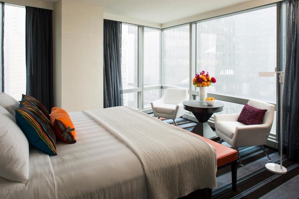 Book Now Courtyard By Marriott New York Manhattan/Central Park (New York City, United States). Rooms Available for all budgets. Guests can expect free Wi-Fi on-site dining and a central spot within walking distance of shops restaurants and museums at the non-smoking Courtyard by Marriott New York Manha