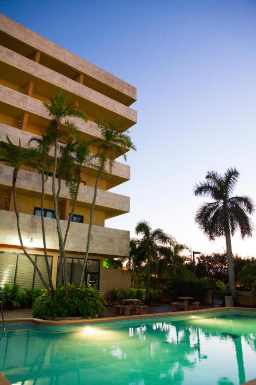 Book Now Regency Hotel Miami (Miami, United States). Rooms Available for all budgets. Offering free WiFi Regency Hotel Miami is within a 5-minute drive of Miami International Airport. The hotel offers an airport shuttle service an outdoor swimming pool and an o