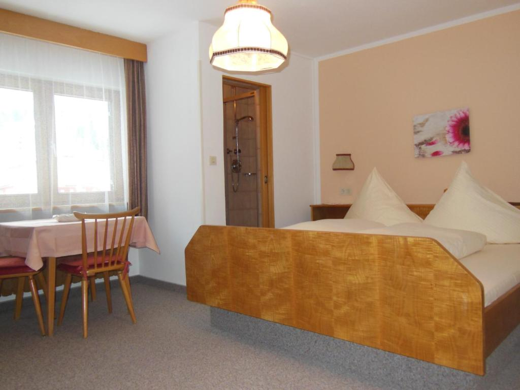 Double Room Gastehaus Heiss
