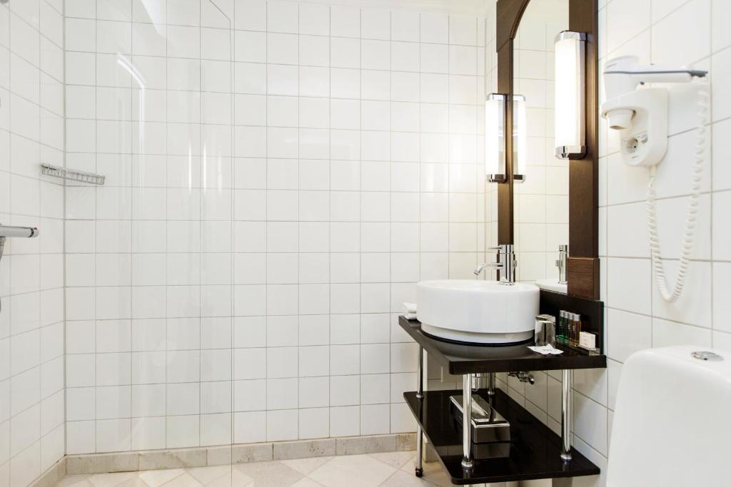 Standard Single Room - Bathroom Elite Park Avenue Hotel