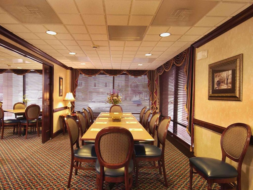 Book Now Best Western Dulles Airport Inn (Sterling, United States). Rooms Available for all budgets. Free breakfast and complimentary Wi-Fi make things easy for our guests at the non-smoking Best Western Dulles Airport Inn located just four miles from the terminals. A complim