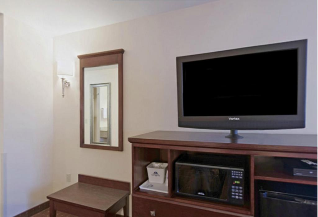 Book Now Americas Best Value Inn Saint Robert (St Robert, United States). Rooms Available for all budgets. Our guests can expect a 16-person hot tub complimentary hot breakfast Wi-Fi and parking at the pet-friendly Americas Best Value Inn Saint Robert situated three miles from the