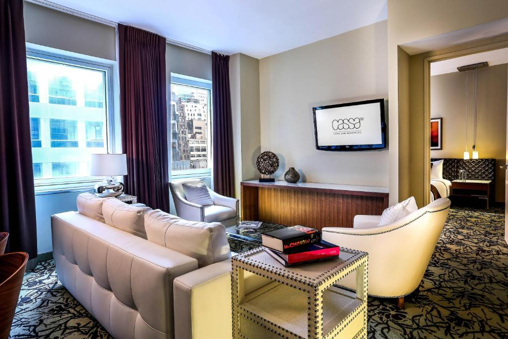 Book Now Cassa Hotel 45th Street New York (New York City, United States). Rooms Available for all budgets. Upscale amenities and a premier Theater District location seal a spot for the non-smoking boutique-style Cassa Hotel 45th Street New York among our guests headed to the area.