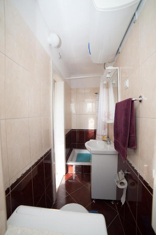 Bathroom Apartment Viki