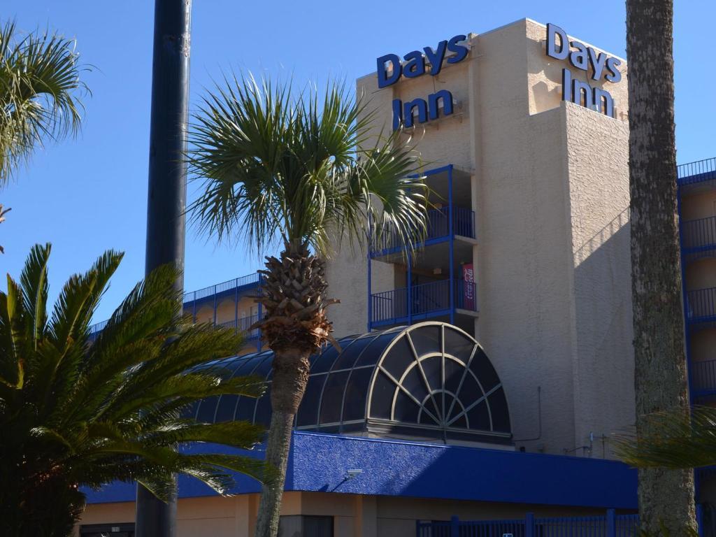 DAYS INN® PANAMA CITY BEACH  OCEAN FRONT  Panama City Beach FL 12818 Front Beach Rd 32407