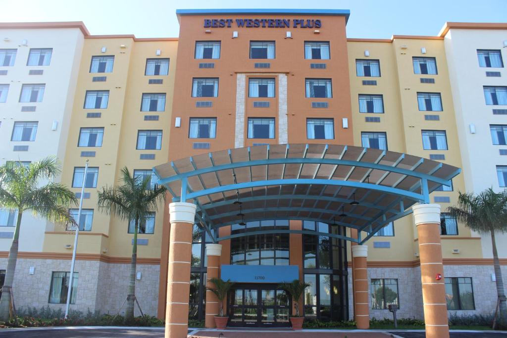 Book Now Best Western Plus Kendall Airport Hotel & Suites (Miami, United States). Rooms Available for all budgets. Hot breakfast and Wi-Fi are free — and there's also an outdoor pool — at the non-smoking Best Western Plus Kendall Airport Hotel & Suites which is three-and-a-ha