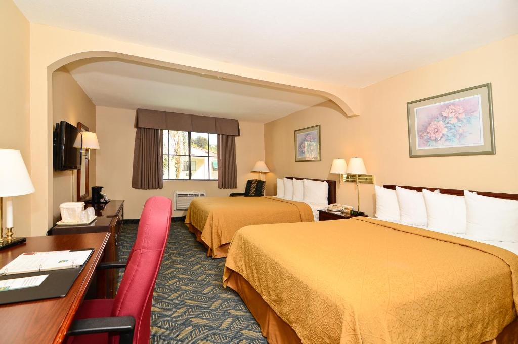 Book Now Quality Inn & Suites Walnut (Walnut, United States). Rooms Available for all budgets. Wi-Fi hot breakfast and parking - all free - plus an outdoor pool and hot tub are favorite perks of our guests at Quality Inn & Suites Walnut 28 minutes from downtown L.A. Thi