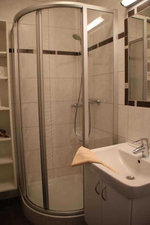 Classic Single Room with Extra Bed - Shower Gasthof zur Gams