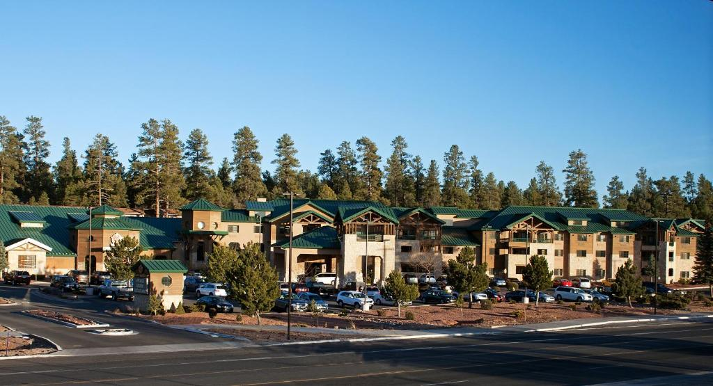 Book Now The Grand Hotel at the Grand Canyon (Tusayan, United States). Rooms Available for all budgets. This Tusayan hotel is off Highway 64 near the entrance to Grand Canyon National Park and the Southern Rim. It offers an indoor pool and nightly entertainment.The Grand Hotel r