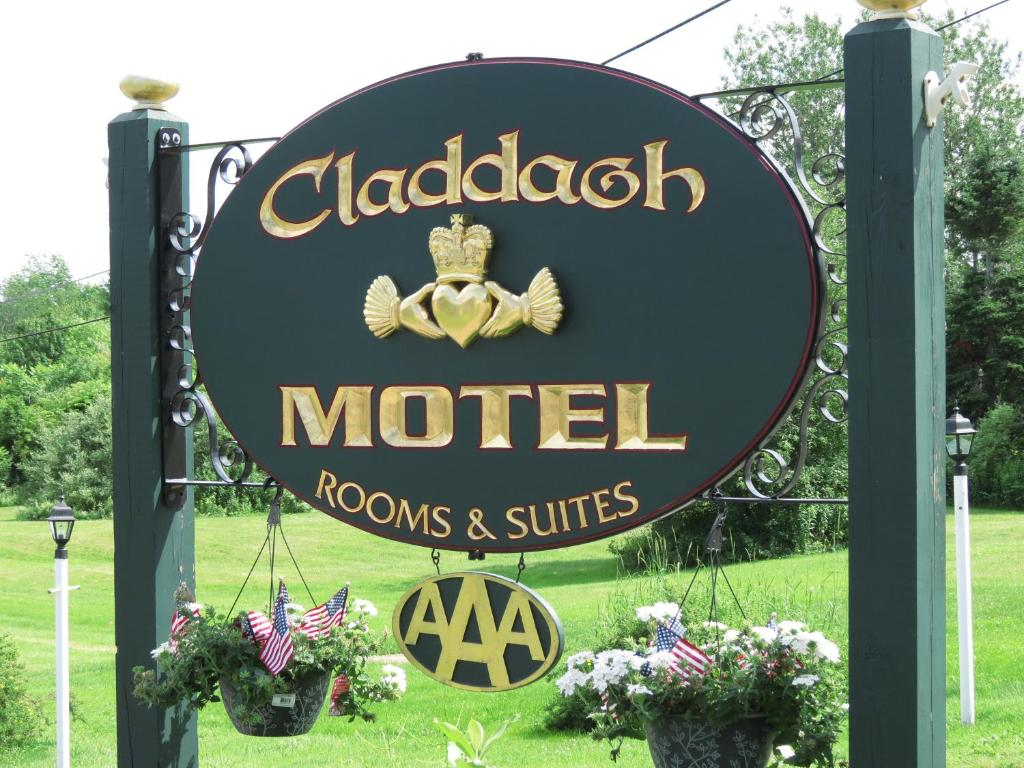Book Now Claddagh Motel & Suites (Rockport, United States). Rooms Available for all budgets. This Rockport motel features individually decorated guest rooms and suites. The motel offers private ocean access which is just 2 minutes' walk from the property.All rooms at
