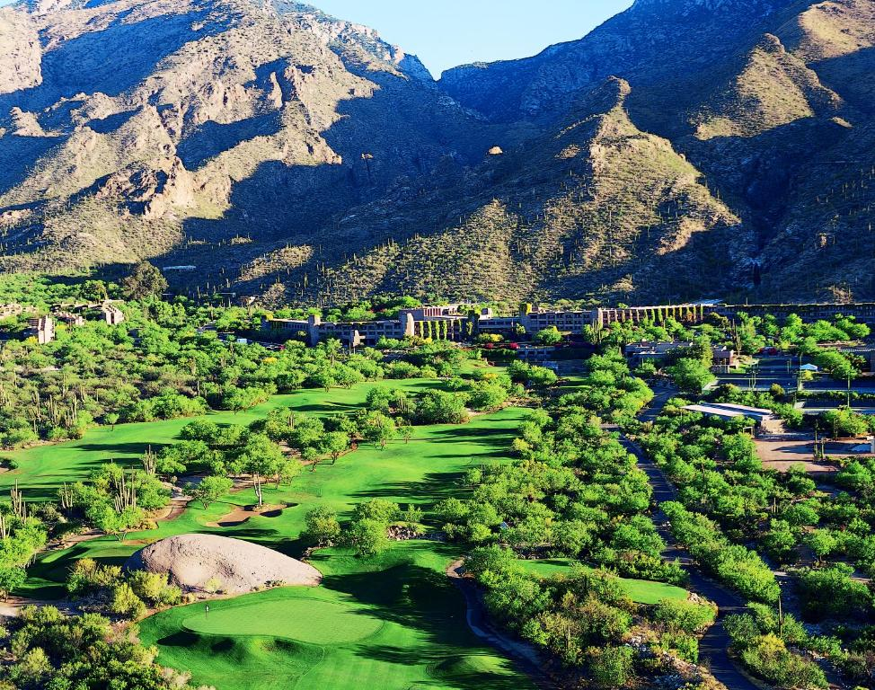 Book Now Loews Ventana Canyon Resort (Tucson, United States). Rooms Available for all budgets. On-site dining options a full-service spa amenity-filled accommodations and a convenient location delight our guests at the pet-friendly Loews Ventana Canyon Resort which also
