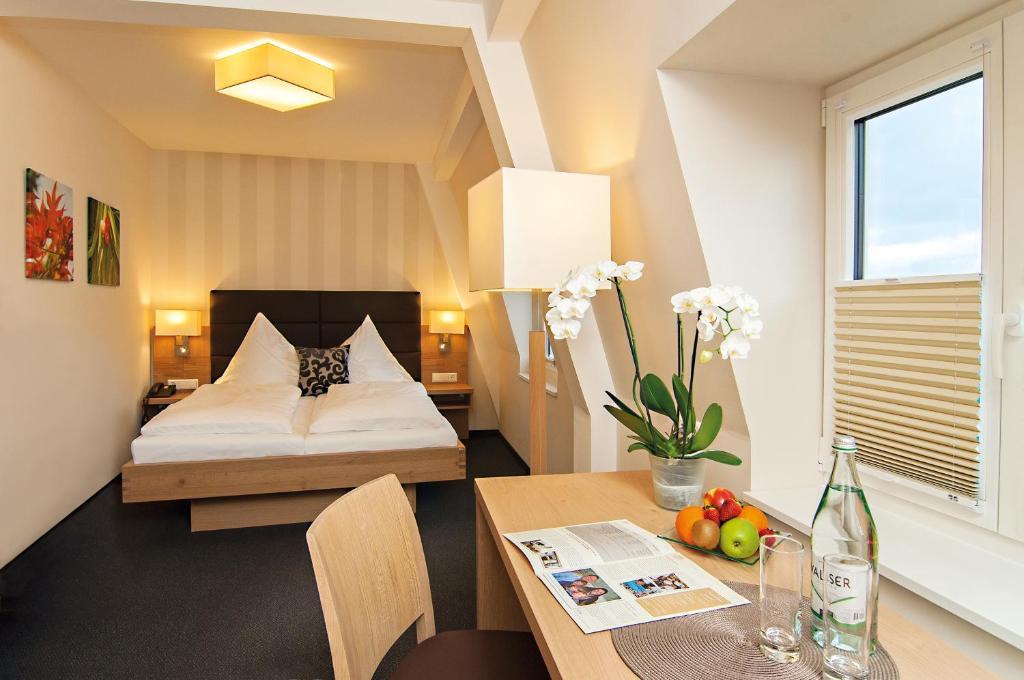 Booking Com Hotel Lowen Hagnau