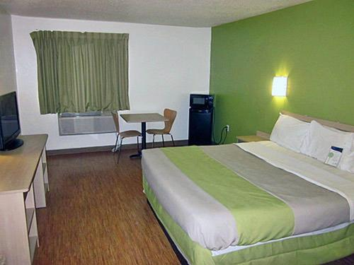 Book Now Motel 6 Shepherdsville United States Rooms Available For All