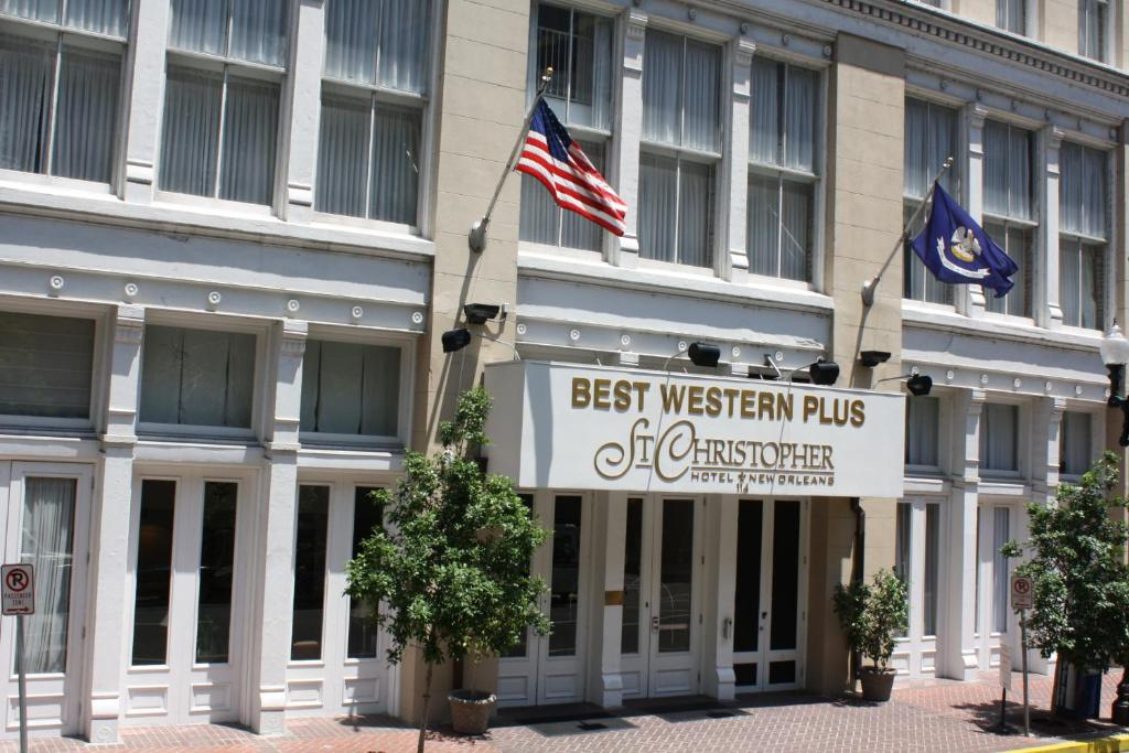Book Now Best Western Plus St. Christopher Hotel (New Orleans, United States). Rooms Available for all budgets. Next to Harrah's and the French Quarter the pet-friendly Best Western Plus St. Christopher Hotel has a winning location and complimentary amenities including Wi-Fi. The 10-sto