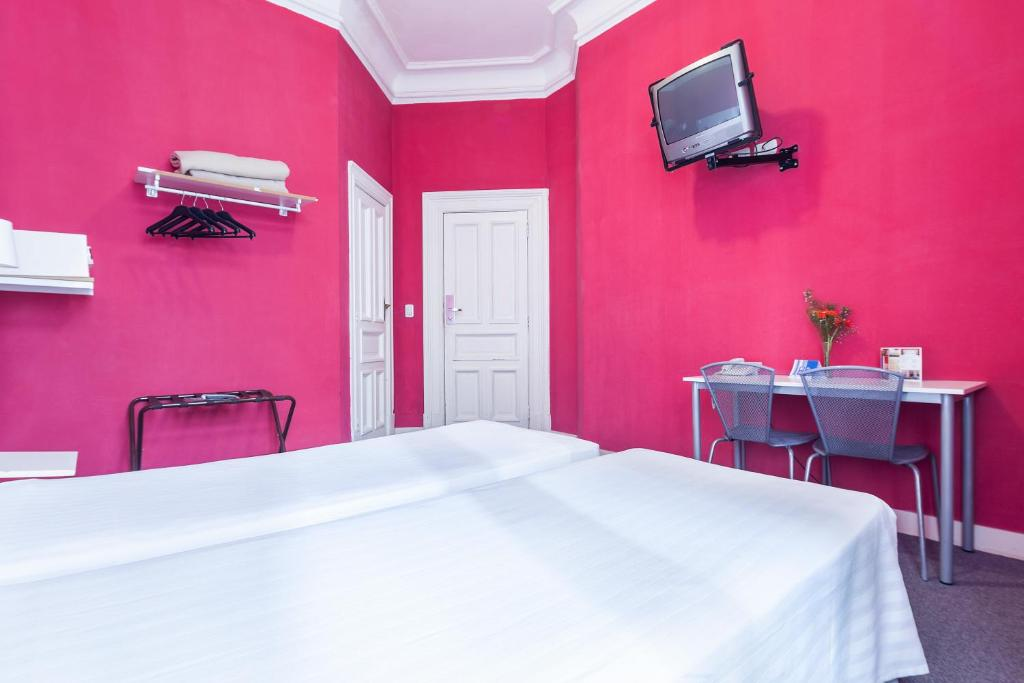 Double or Twin Room - Guestroom Hotel Mundial