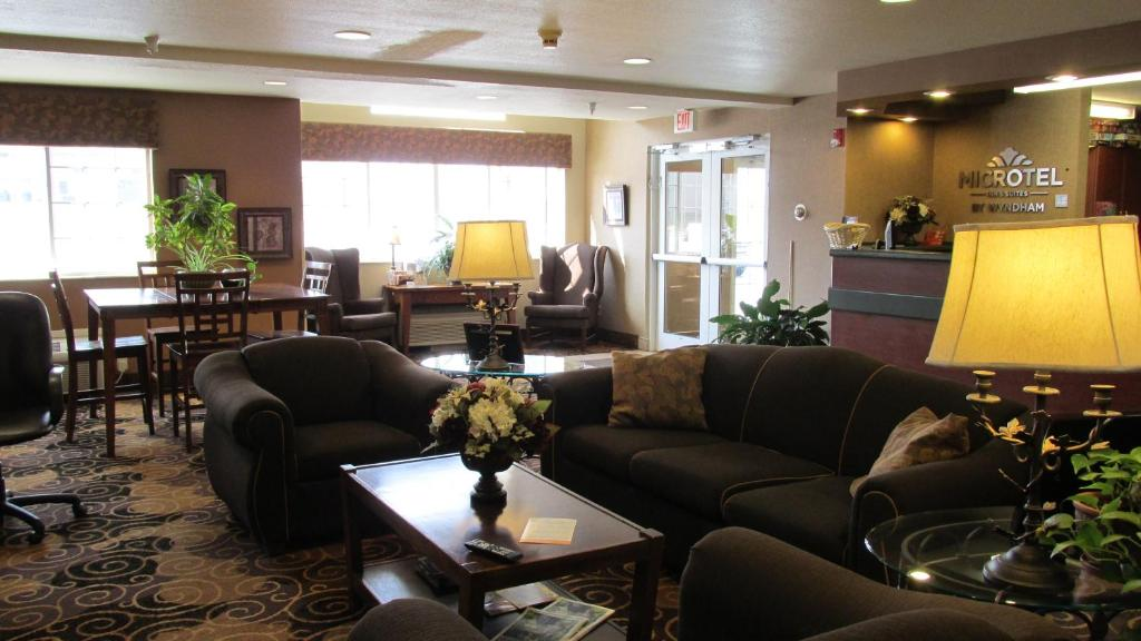 Book Now Microtel Inn & Suites By Wyndham Rapid City (Rapid City, United States). Rooms Available for all budgets. Assuring value-added comfort with free Wi-Fi a free shuttle and complimentary breakfast the non-smoking Microtel Inn and Suites Rapid City Lacrosse Ave. provides affordable co