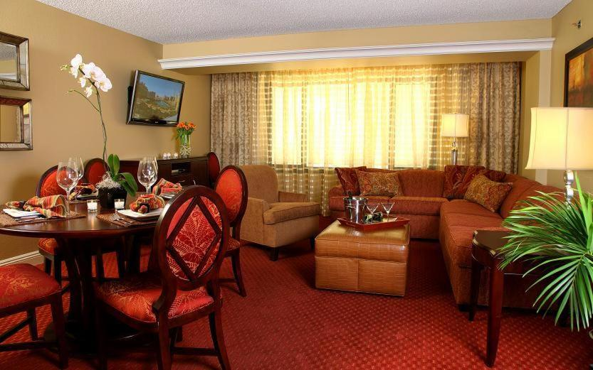 Jockey Club Las Vegas Rooms