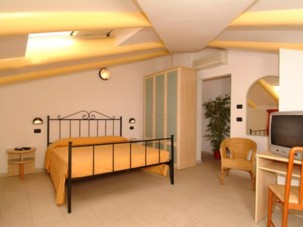 Book Now Hotel Pascoli (San Mauro a Mare, Italy). Rooms Available for all budgets. Set 150 metres from the sea Hotel Pascoli offers you a relaxing and comfortable stay in an area which is peaceful yet also close to the Adriatic coast's important seaside town