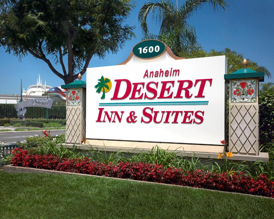 Book Now Anaheim Desert Inn & Suites (Anaheim, United States). Rooms Available for all budgets. Featuring an indoor pool and hot tub this hotel is located directly across the street from the Disneyland Resort Main Gate Entrance and just 10 minutes' walk from the Anaheim