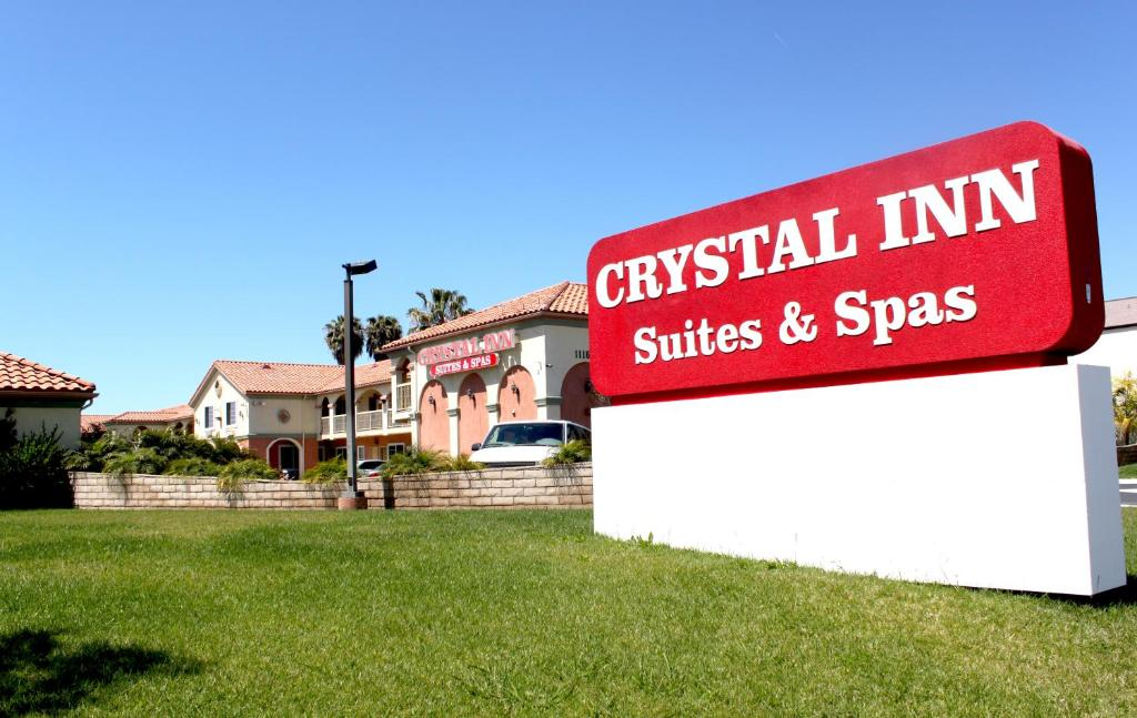 Book Now Crystal Inn Suites & Spas (Inglewood, United States). Rooms Available for all budgets. Located 2 miles from the Great Western Forum this Inglewood hotel offers a heated outdoor pool and on-site laundry facilities. All guest rooms include free Wi-Fi. There is als