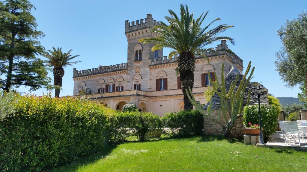 Book Now Masseria Salamina (Pezze di Greco, Italy). Rooms Available for all budgets. The Masseria Salamina is a 17th-century castle set among olive groves and farmland. It offers a pool a traditional restaurant and even homemade olive-oil soap in guests' spaci