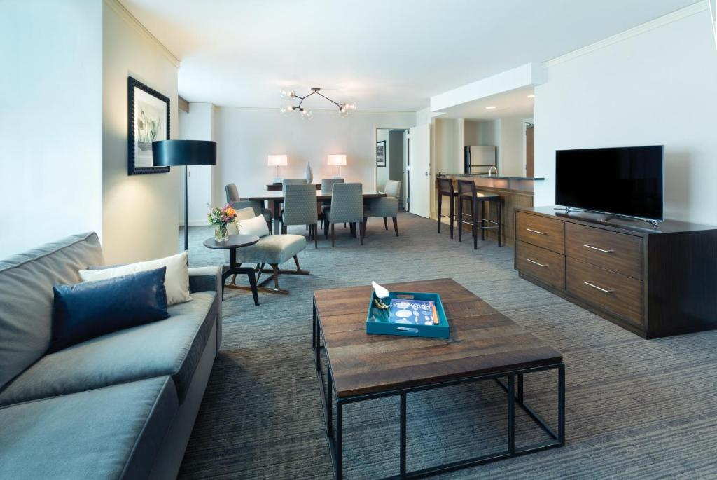 Book Now Hyatt Regency Denver at Colorado Convention Center (Denver, United States). Rooms Available for all budgets. Service and location are what impresses our guests most about the non-smoking Hyatt Regency Denver at Colorado Convention Center where Wi-Fi is free. The soaring 37-story Hyat