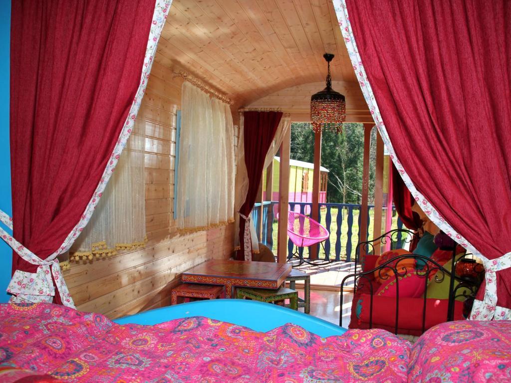 Caba as en los rboles y carros c ngaros zeanuri ofertas for Alojamientos cabanas en los arboles