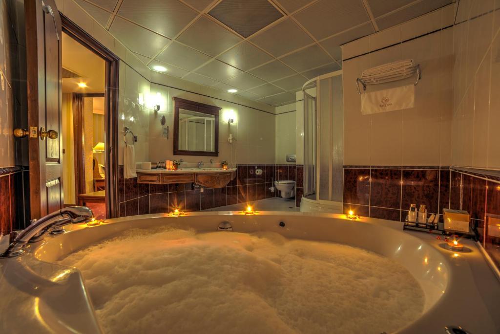 saffron hotel massage deals