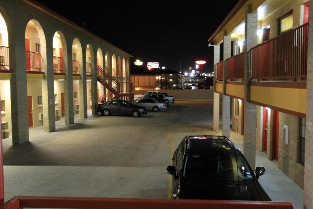 Hotel Americas Best Value Inn San Antonio Lackland Afb In