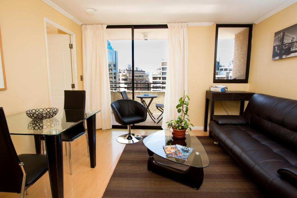 Luxury One-Bedroom Apartment - Separate living room Santa Magdalena Apartments