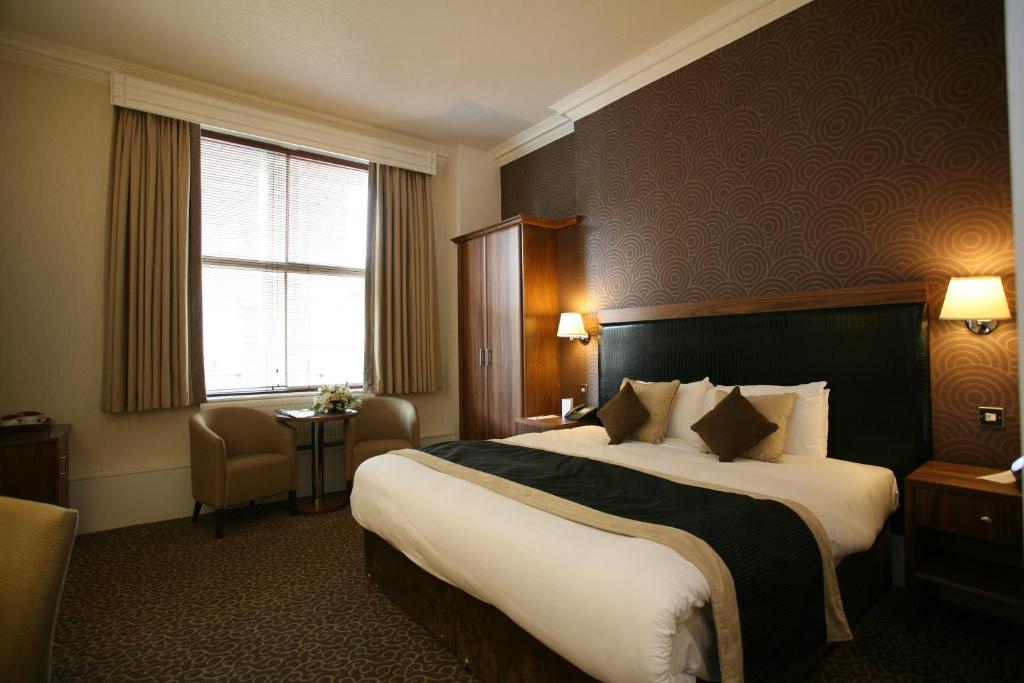 MIDLAND HOTEL - Bradford Forster Sq. BD1 4HU