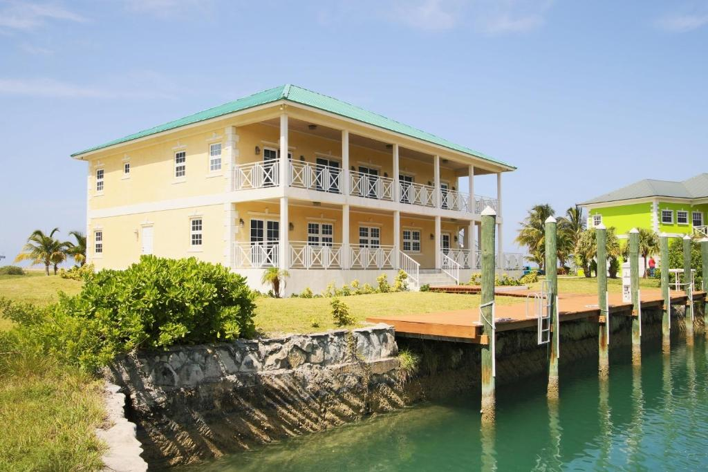 Luxury Homes at Old Bahama Bay