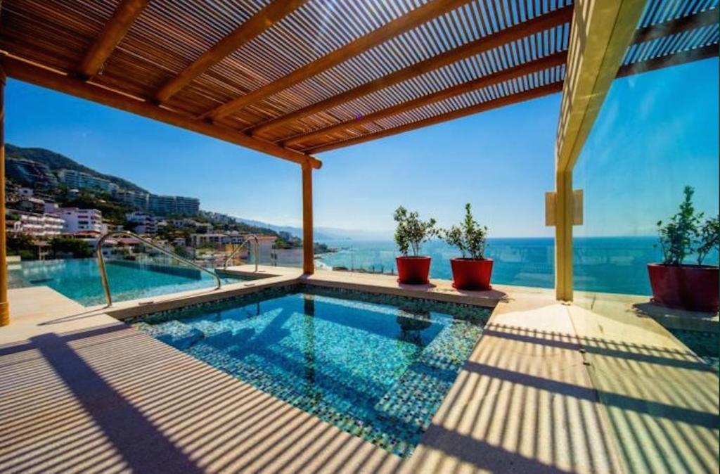 Best Price On Luxury Puerto Vallarta Condo Old Town In Puerto
