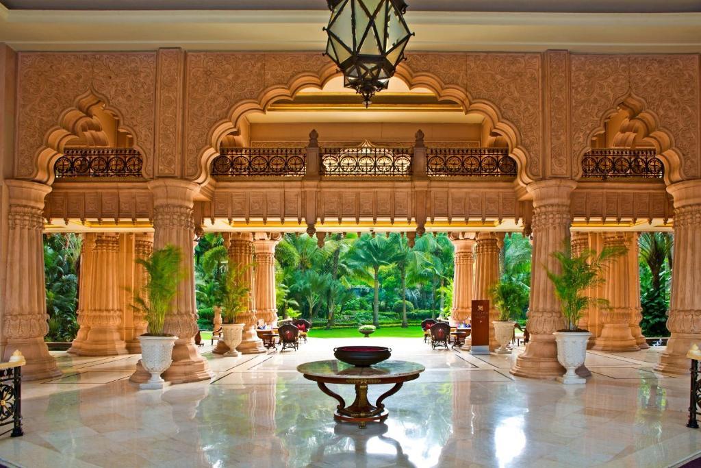 Luxury 5 Star Hotel in Makati Manila  The Peninsula Manila