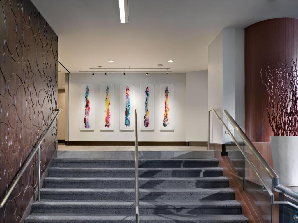 Book Now Parc 55 San Francisco - A Hilton Hotel (San Francisco, United States). Rooms Available for all budgets. A killer location a 24-hour fitness center and numerous on-site restaurants draw praise at the pet-friendly Parc 55 San Francisco - a Hilton Hotel. The 32-story Parc 55 has 10