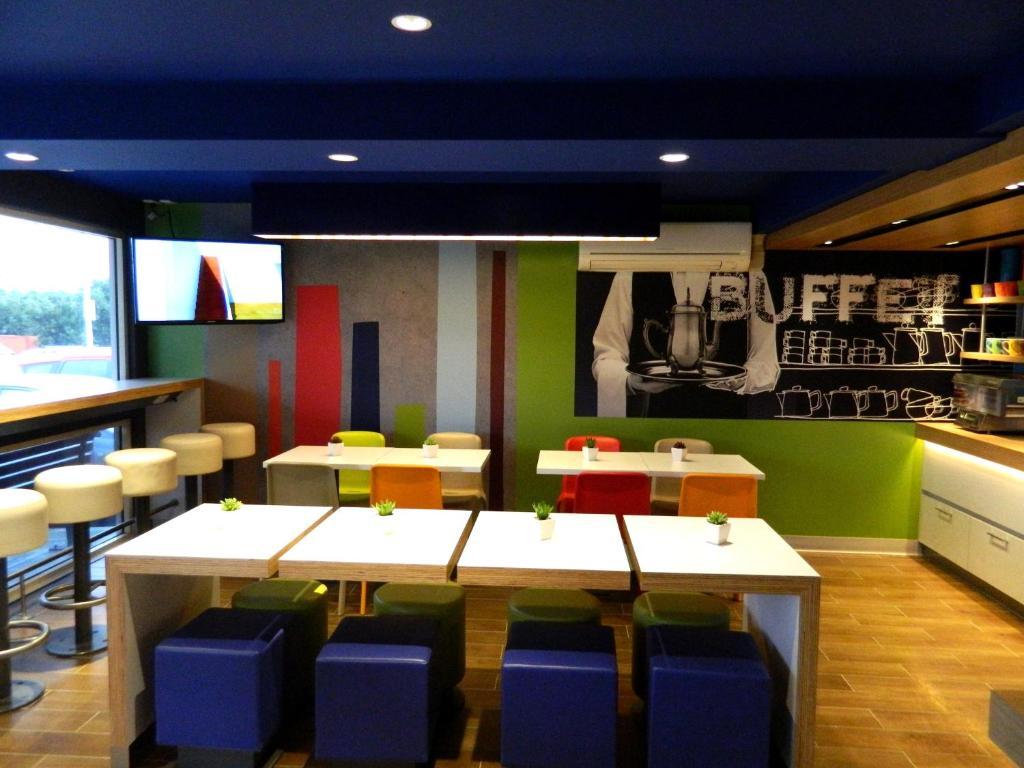 ibis budget melbourne airport formerly formule 1 12. Black Bedroom Furniture Sets. Home Design Ideas