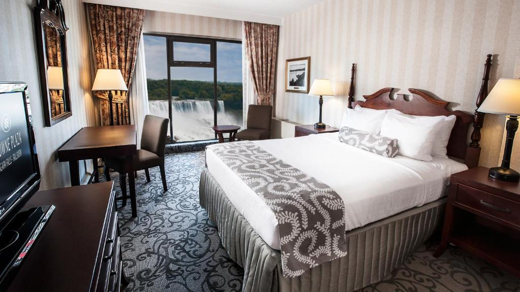 Book Now Crowne Plaza Niagara Falls-Fallsview (Niagara Falls, Canada). Rooms Available for all budgets. Surrounded by many family-friendly attractions the Crowne Plaza Niagara Falls-Fallsview has a gourmet restaurant indoor pool kid's pool and fitness center. Decked out in plush