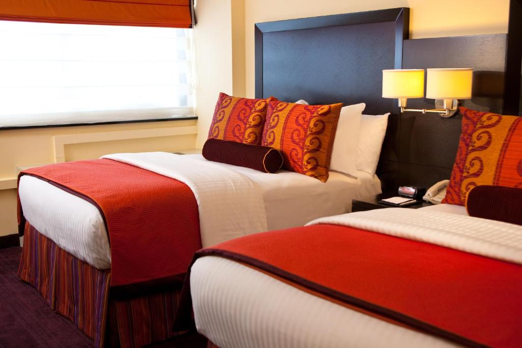 Book Now Washington Plaza Hotel (Washington, United States). Rooms Available for all budgets. Located 1 km from the White House this Washington D.C. hotel features a restaurant and lounge a seasonal outdoor pool and a gym.Rooms at The Washington Plaza Hotel come with f
